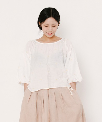 Daisy Ballon Sleeve Blouse